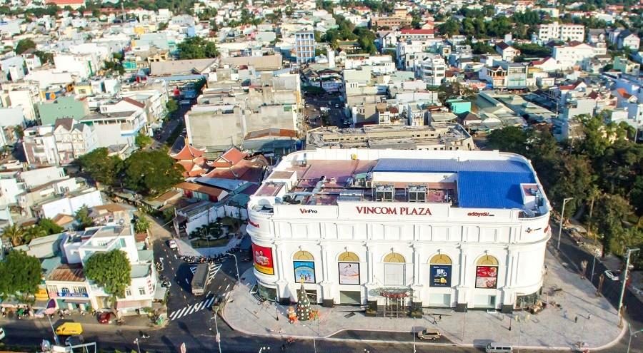 Sự xuất hiện của những nhà đầu tư tên tuổi đã làm gia tăng sức hút vào thị trường BĐS Kon Tum Ảnh: Trung tâm Thương mại Vincom Plaza Kon